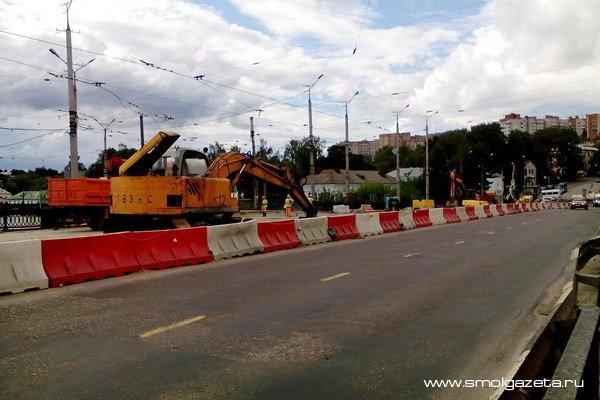 Полностью завершить ремонт Пятницкого путепровода в Смоленске обещают в ноябре
