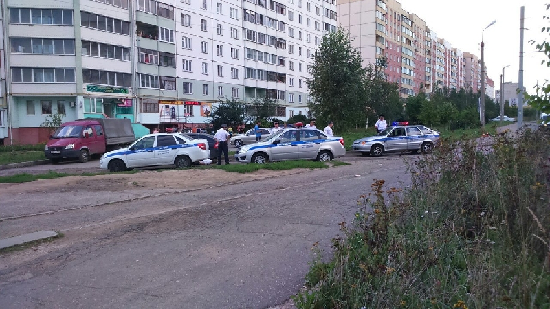 В Смоленске четыре экипажа полиции задерживали подозреваемого в незаконном обороте наркотиков