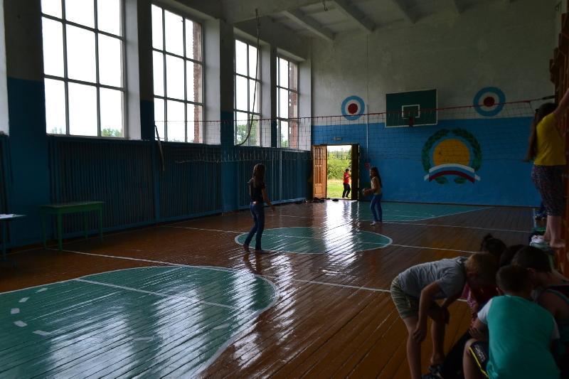Смоленские активисты ОНФ провели мониторинг спортивной инфраструктуры сельских школ