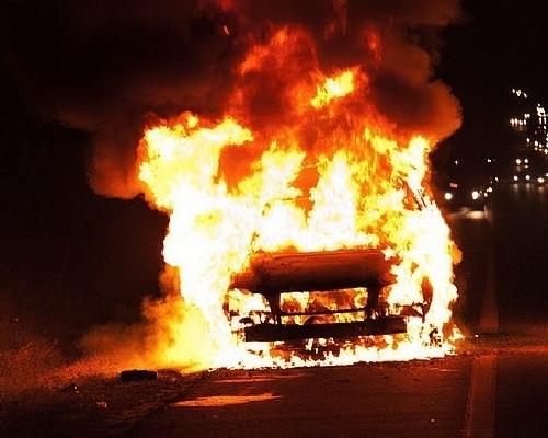 В Смоленской области из-за короткого замыкания сгорел Ford Fusion