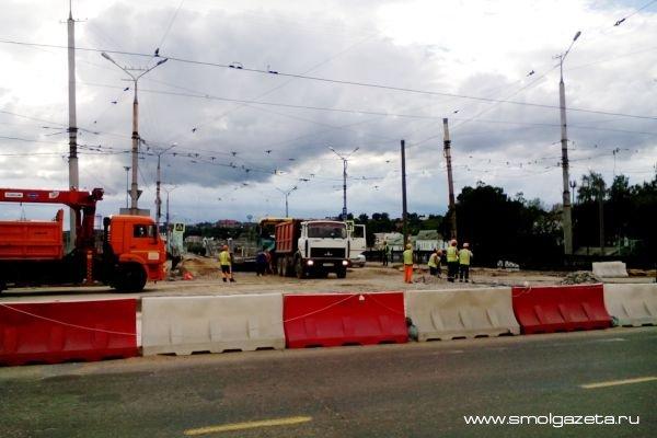 В Смоленске движение по Пятницкому путепроводу планируют открыть к 1 сентября