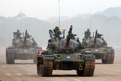 При падении танка в реку на Тайване погибли четыре человека