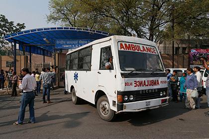 После распития самогона в Индии погибли 10 человек