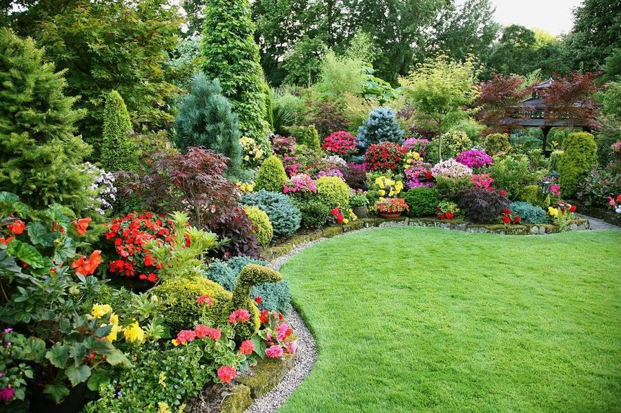 Сад в стиле сезона года
