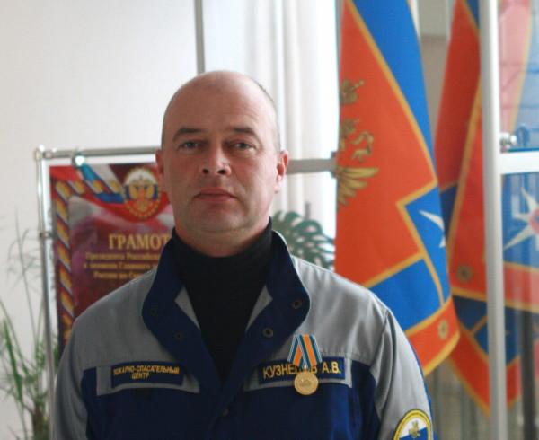 В Смоленске водолаза наградили медалью «За спасение погибающих на водах»