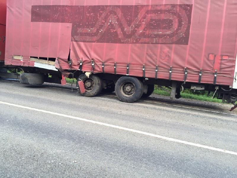 После ДТП в Рославльском районе два человека попали в больницу
