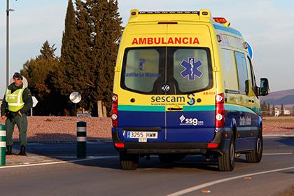 Автобус с туристами перевернулся в Барселоне