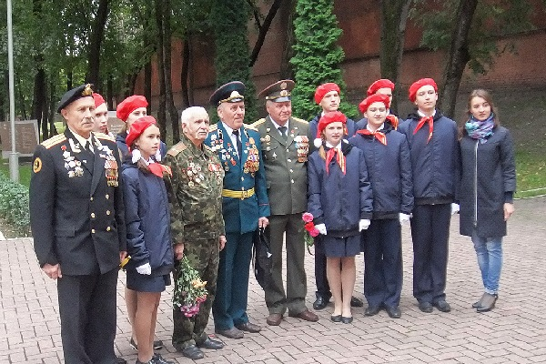В Смоленске отметили День рождения Советской гвардии