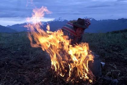 В Перу заживо сожгли обвиненную в колдовстве женщину