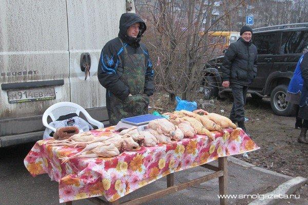 В Смоленской области в сентябре дорожали замороженные куры, но дешевел мороженый хек