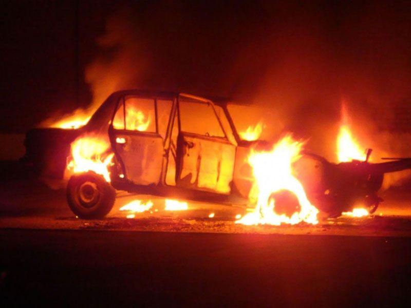 В Сафоново ранним утром сгорел автомобиль