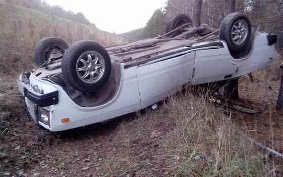 В Смоленском районе перевернулся автомобиль