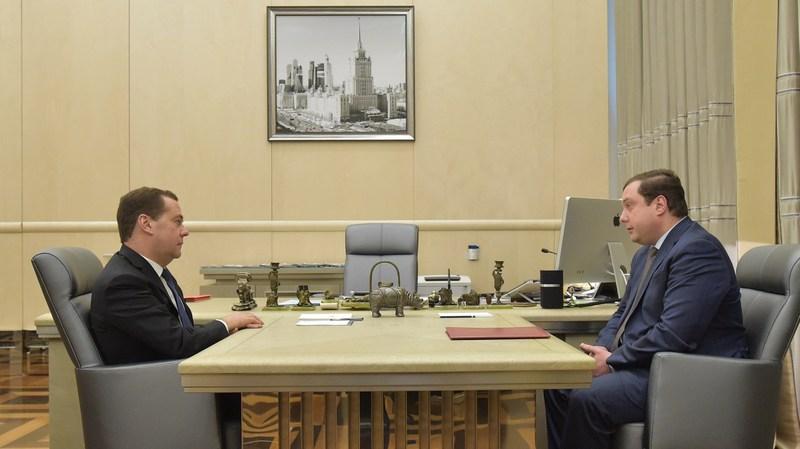 Губернатор Алексей Островский попросил правительство РФ усилить поддержку предпринимателей