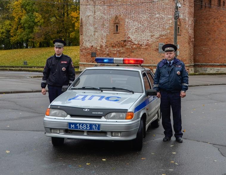 В Смоленске полицейские спасли потерявшую сознание девушку