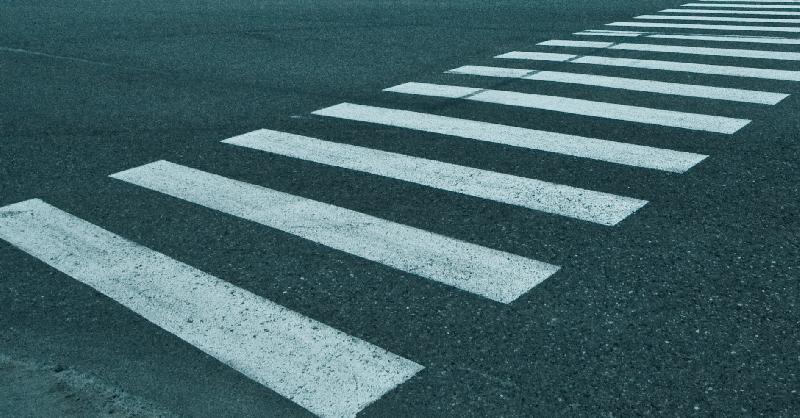 В Смоленске на пешеходном переходе «Тойота» сбила мужчину