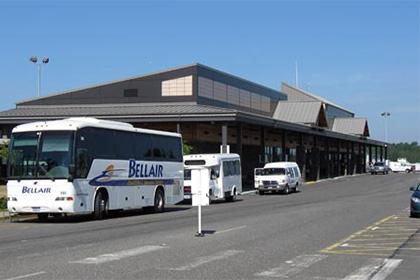 Пассажиров аэропорта в штате Вашингтон эвакуировали из-за угрозы взрыва