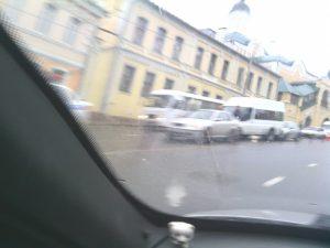В Смоленске на ул. Б.Советская произошло ДТП с участием трех машин