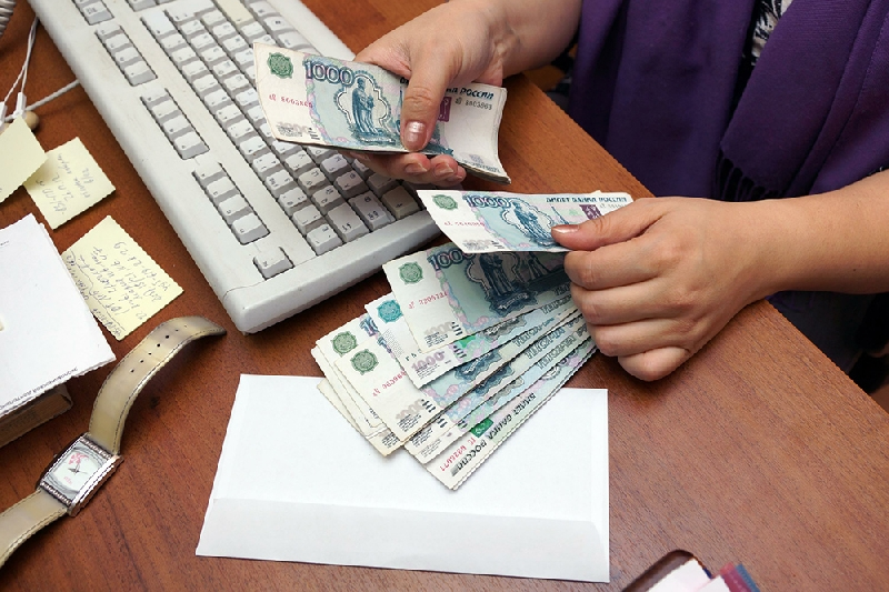 После вмешательства смоленской прокуратуры работники предприятия получили зарплату