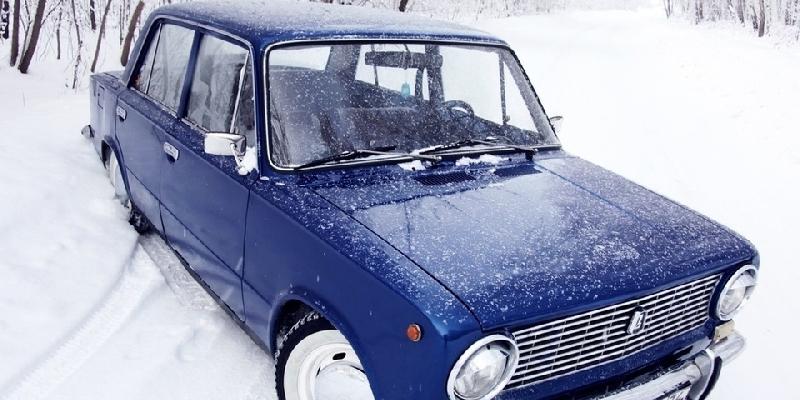 В Смоленске подростки угнали чужую машину и спрятали ее в овраге