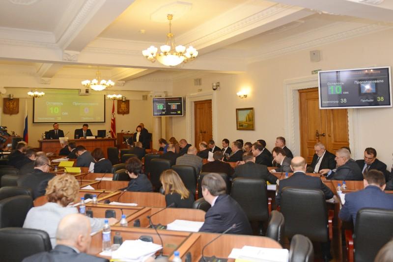 Бюджет Смоленской области на 2017 год принят в первом чтении