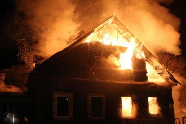 Смоляне погибли при пожаре из-за неосторожности при курении