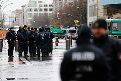 В Германии 12-летний мальчик попытался взорвать бомбу на рождественском рынке