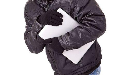 Смолянин украл у подруги планшет и потерял его по дороге