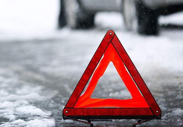 В Смоленском районе автобус врезался в иномарку: пострадали два человека