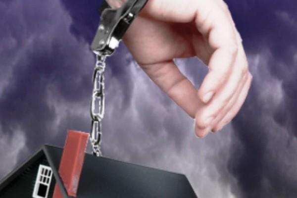 Смоленских полицейских посадили под домашний арест за избиение задержанного