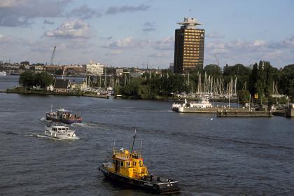 В порту Амстердама забастовал экипаж российского судна