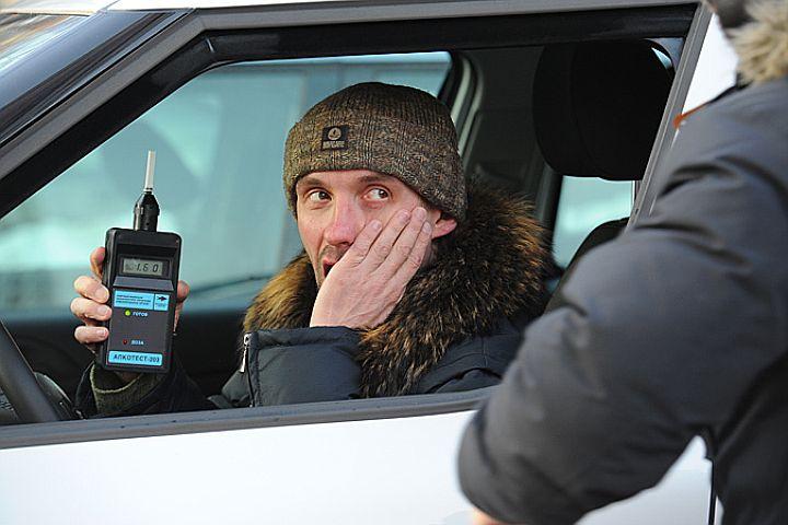 Смоленским водителям устроили сплошные проверки на трезвость