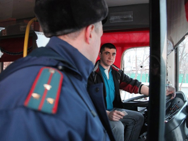 В Смоленске сотрудники ГИБДД проверят маршрутки