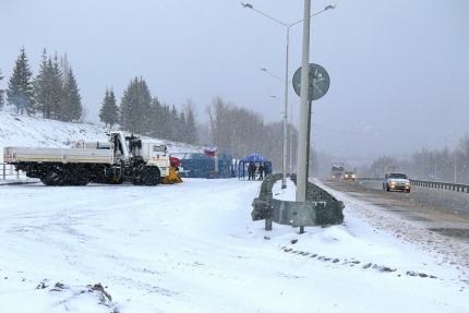 Смоленские спасатели из-за снегопада работают в режиме повышенной готовности