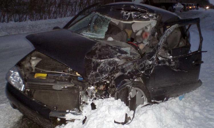 В Смоленском районе «Лада Калина» вылетела в кювет: два человека пострадали