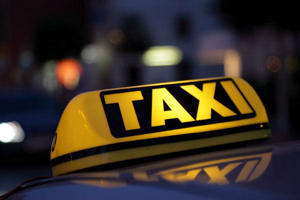 22-летний смолянин обокрал водителя такси