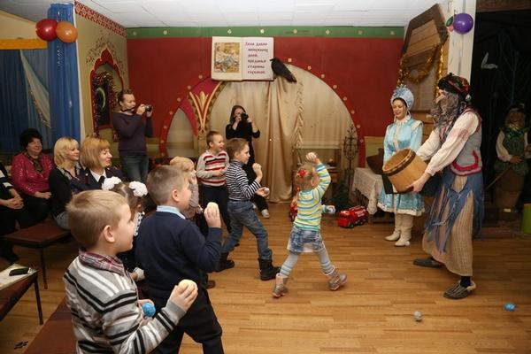 Смоленских малышей ждут «Новогодние приключения в сказке»