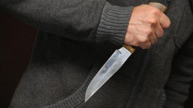 Пьяный смолянин с ножом напал на знакомого