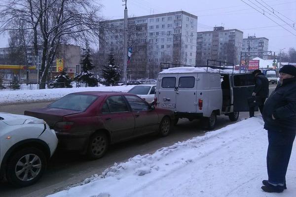 В Смоленске на Краснинском тройное ДТП