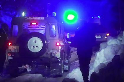 В погребенном под лавиной итальянском отеле погибли 30 человек
