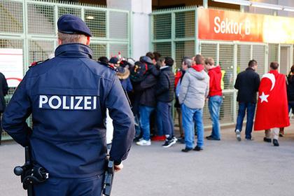 Полиция Австрии задержала 11 человек в ходе антитеррористической операции