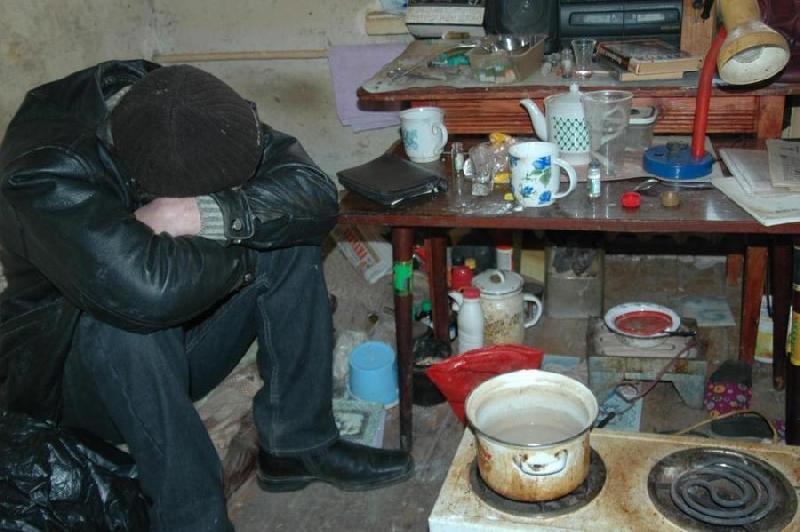 Смолянка организовала притон в своей квартире