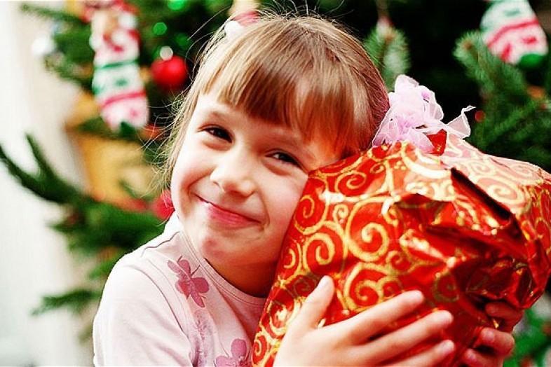 В Смоленске прошла благотворительная акция «Дари радость на Рождество»