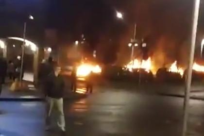 Десятки молодых людей устроили погромы в Стокгольме