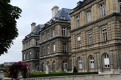 Французская полиция начала обыск в здании Сената страны