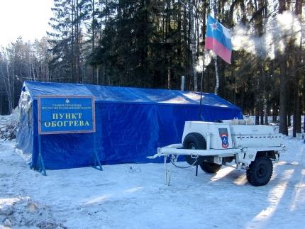 В Смоленской области на трассе М1 спасатели развернули пункты обогрева