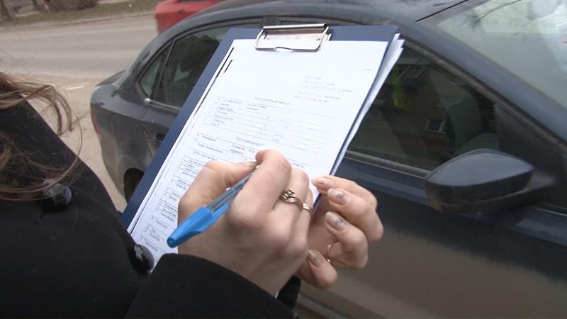 Приставы арестовали автомобиль смолянина, задолжавшего около 200 тысяч рублей