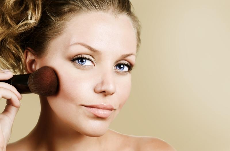 Маскируем недостатки с помощью макияжа