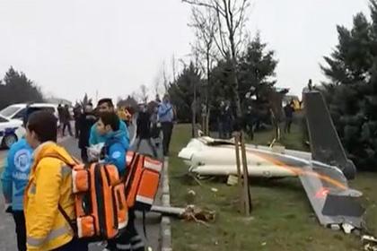 В Стамбуле упал пожарный вертолет