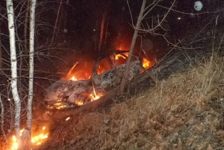 В Смоленской области иномарка вылетела в кювет и загорелась: пострадал человек