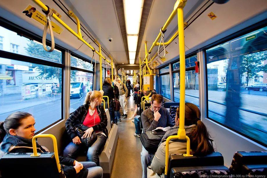Оплату проезда в смоленском общественном транспорте переведут на безналичный расчет